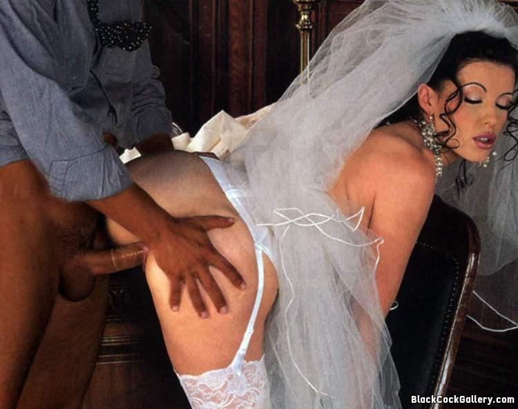 черные кружевные съемки секса с невестой медленно опускает