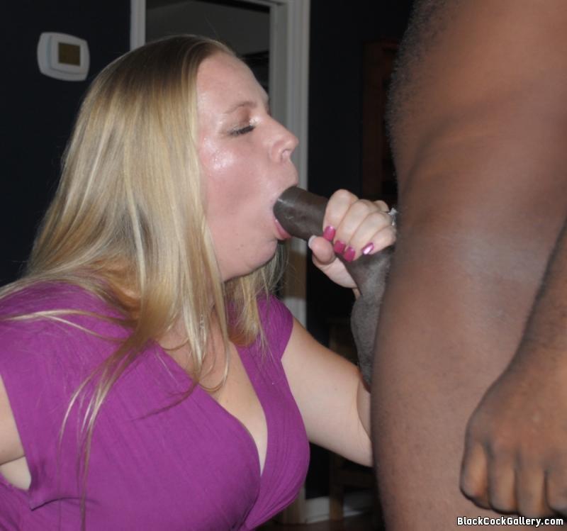 Mature amateur wife posing nude